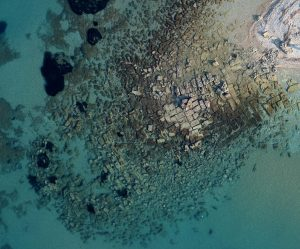 Underwater remains of the entrance canal to the Corinthian port of Lachaion (by Haaretz)