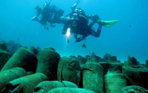 Jars of garum found on the sea bed (by The Local)