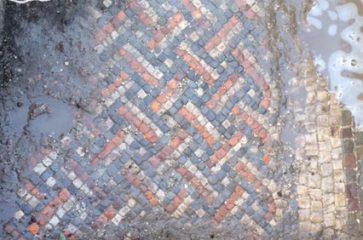 Roman villa with mosaics found in Wiltshire