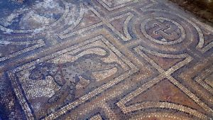 Mosaic discovered in Osmaniye (by Hurriyet Daily News)