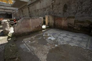 Ancient Roman ruins found during subway construction (by PhysOrg)