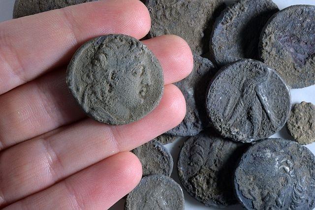 Hoard of silver coins found in Modi'in