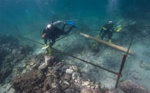 Underwater work at the site (by PhysOrg)