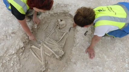 Iron Age burials discovered in Dorset