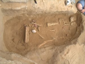 Typical pit grave discovered at the cemetery (by Haaretz)