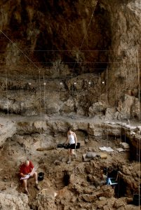Excavation site in the Hilazon Tachtit cave (by EurekAlert!)