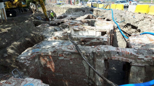 Rediscovered 20th cent. building yields new finds