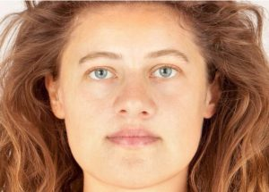 The reconstructed face of the Bronze Age woman (after BBC News)