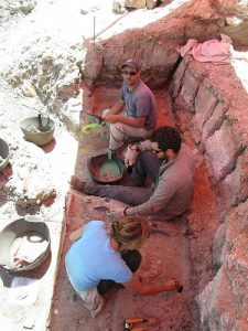 Archaeologists at work at the site (by Popular Archaeology)
