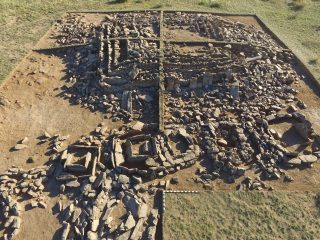 "Bronze Age ""mausoleum"" in Kazakhstan unearthed"