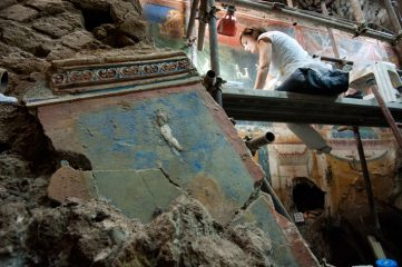 Roman villa in Positano reveals spectacular ancient art