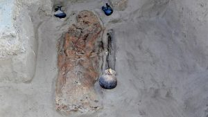 Burial at the Chotuna-Chornancap site (after Fox News Latino)