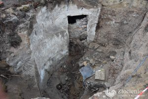 Three mines discovered in the trench (by Zlocieniec.pl)