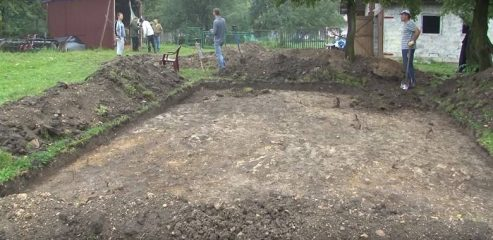 Excavations where boars dug out Medieval artefacts