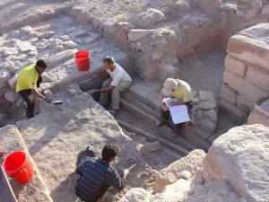 Excavation of the irrigation channel (by Haaretz)