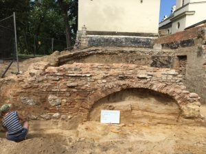 Excavations of the palace (by TVN Warszawa)