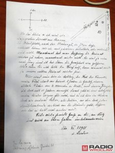 A letter written in German with a map (by Radio Wrocław)