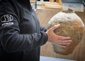 Roman jar from the site (by Rugby Advertiser)
