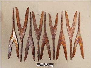 Double-pointed arrows, probably used for shooting birds (by  IPDN, Krasny Sever, Natalia Ryabogina)