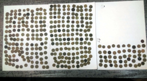 Coins struck at different time periods (by Komenda Powiatowa Policji w Pile via TVN24)