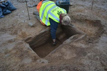 Graves and ancient pottery found in a quarry dig