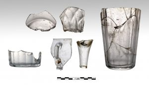 Glass found on board of the Mentor (by Haaretz)