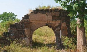 Remains of a mosque (by Dawn)
