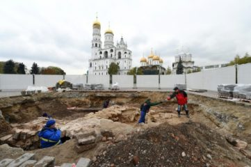 Medieval layers of Kremlin unearthed