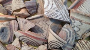 Philistine bichromatic and multicoloured pottery (by Sam Wolff)