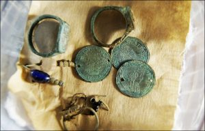 Louis XIV coins and other artefacts (by  IPDN, Krasny Sever, Natalia Ryabogina)