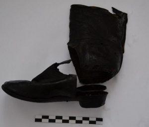 A child's shoe (by Wyborcza)