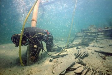 Underwater excavation of slave ship's wreck off Perth coast