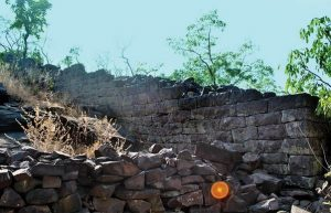 Ancient fortification in India (by Pragativadi)