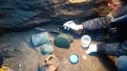 New finds at Etruscan cemetery at Vulci