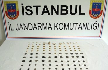 Three people arrested for selling artefacts in Istanbul
