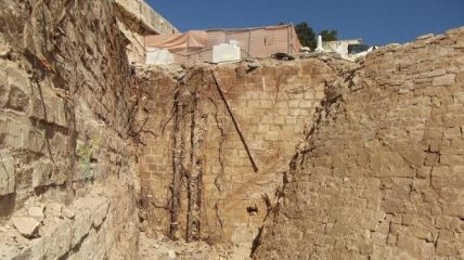 Ancient wall discovered on Malta