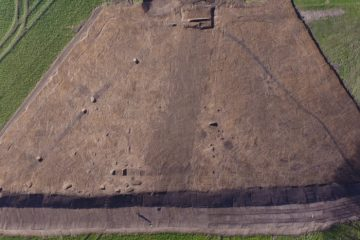 Triangular Bronze Age enclosure found