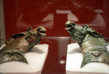 Two Roman bronze mules found in Spain