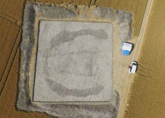 Excavations of burial mound near Stonehenge