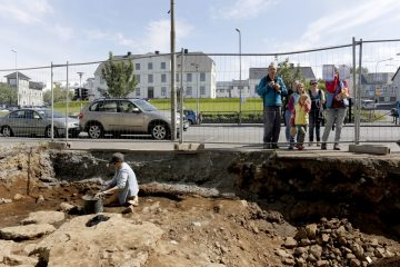 Burnt Viking longhouse unearthed in Reykjavík
