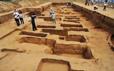 Graves of unusually tall individuals discovered in China
