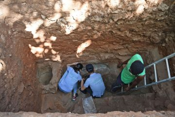 Possible remains of Medieval Chinese men uncovered in Kenya
