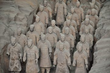 Man steals thumb from statue of the Terracotta Army
