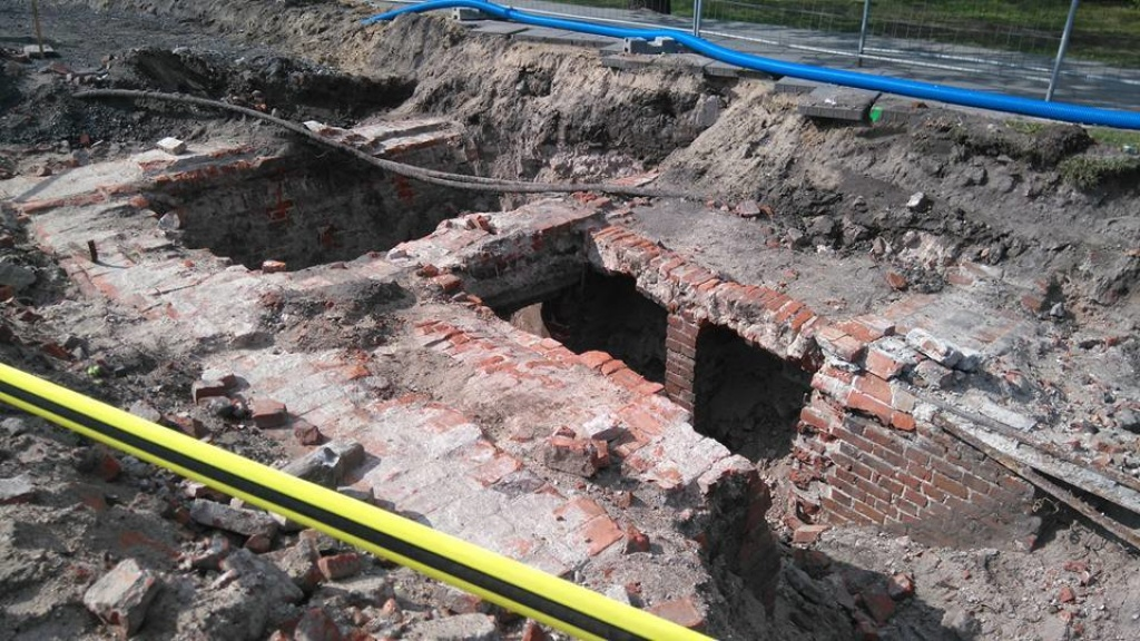 Pre-WW2 buildings discovered during construction