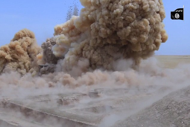 ISIS destroys ancient temples in Iraq and threatens Egyptian monuments