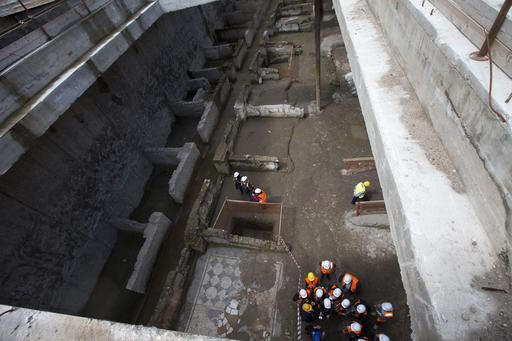 Ancient barracks and necropolis found during subway construction