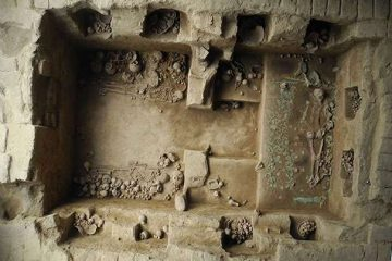 Trove of treasures within tomb of a Moche princess