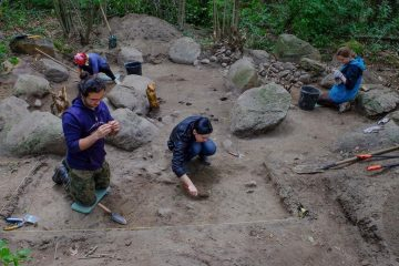 1000-year-old monumental Christian graves excavated