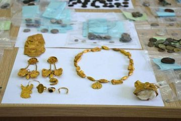 Antiquities smuggling ring broken by Police in Greece