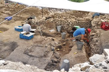 Remains of 2600-year-old kitchen discovered in ancient Lydian city